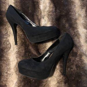LC Lauren Conrad black pumps